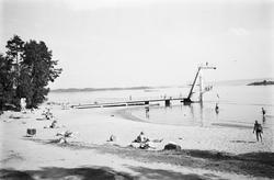 Badeliv på Hvalstrand.