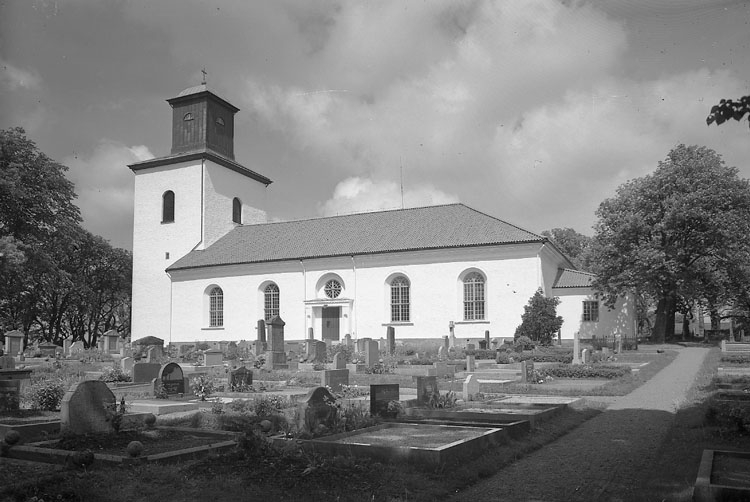 """Enligt AB Flygtrafik Bengtsfors: """"Tanum kyrka Bohuslän"""".            ::"""