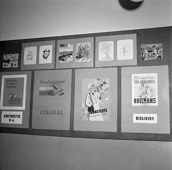 """Enligt notering: """"Skolavslutning (Praktiska) 9/6 1947""""."""