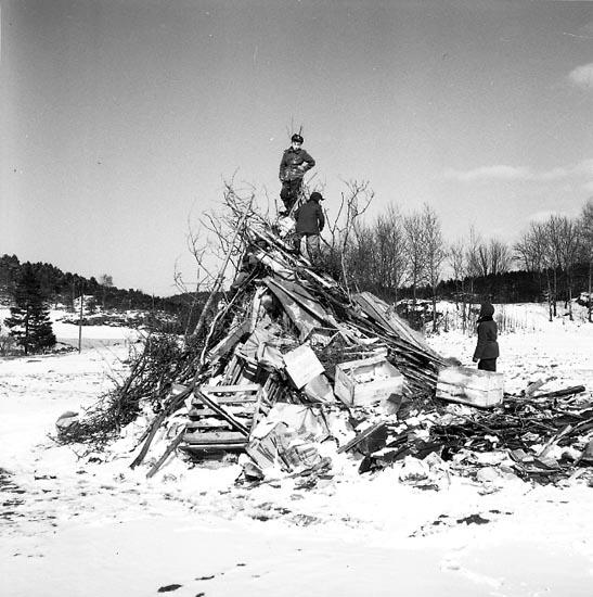 """Enligt notering: Påskfyren 1955""""."""