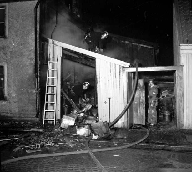 """Enligt notering: """"Brand på Södergatan 1/11 -58""""."""