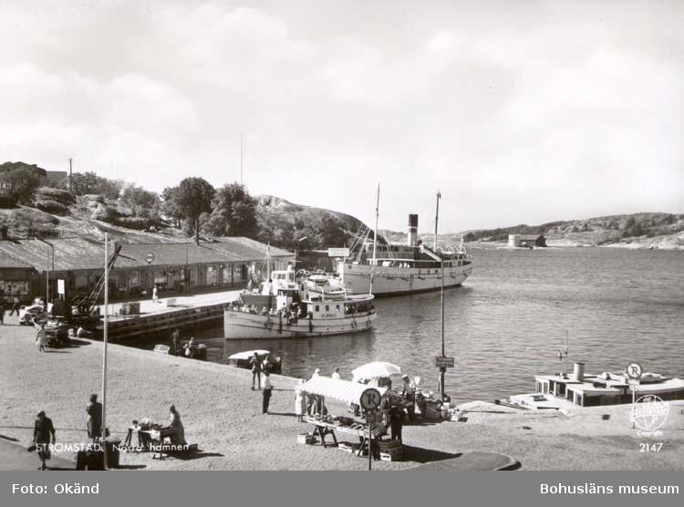 """Tryckt text på kortet: """"Norra Hamnen, Strömstad."""" ::"""