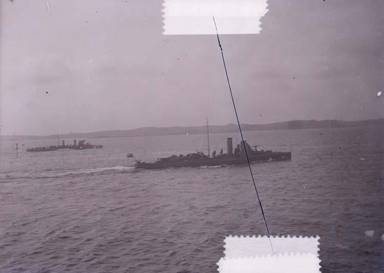 """Enligt text som medföljde bilden: """"Torpedbåt 5. Aug. 11."""" ::"""