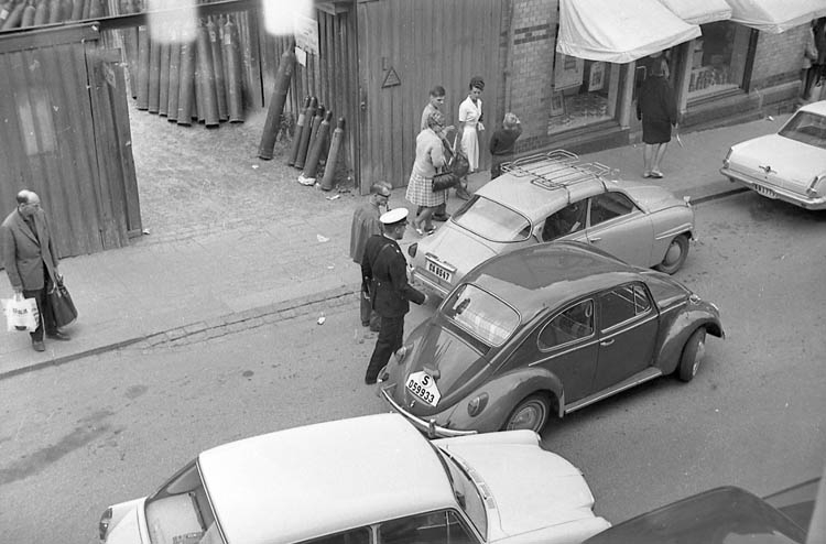 "Enligt fotografens notering: ""Lysekils polis1982""."