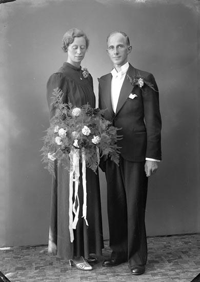 """Enligt fotografens journal nr 6 1930-1943: """"Kristiansson, Erik Brittbo, Ödsmål""""."""