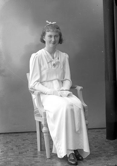 "Enligt fotografens journal nr 6 1930-1943: ""Josefsson, Margareta, Lyckan Stenungsund""."