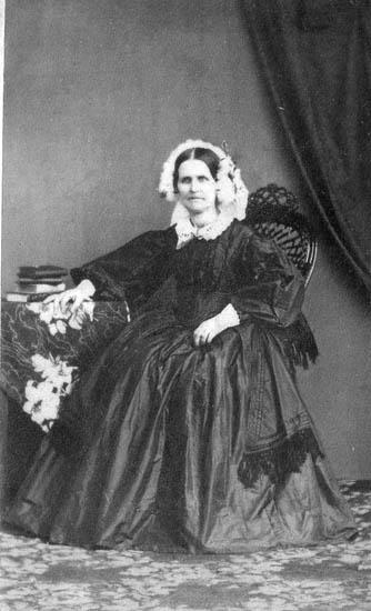 """Enligt fotografens journal nr 4 1918-1922: """"Kjellgren, Fru Anna (Prostinnan Landberg) kopia""""."""