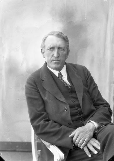 """Enligt fotografens journal nr 5 1923-1929: """"Kindberg, Dr. Åre""""."""
