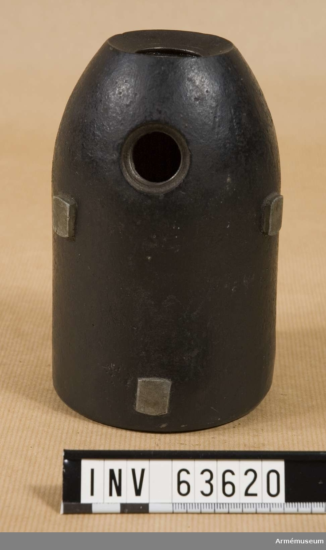 """Grupp F II. 9,6 cm (3"""" eller 11½-p) granatkartesch, Norge, till framladdningskanon m/1864."""