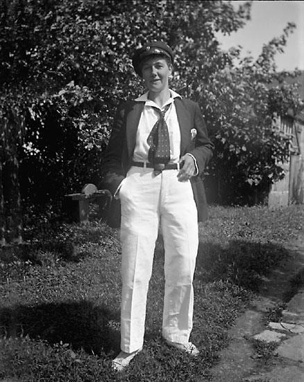 Linnea Börjesson Blank i broder Johans kläder.