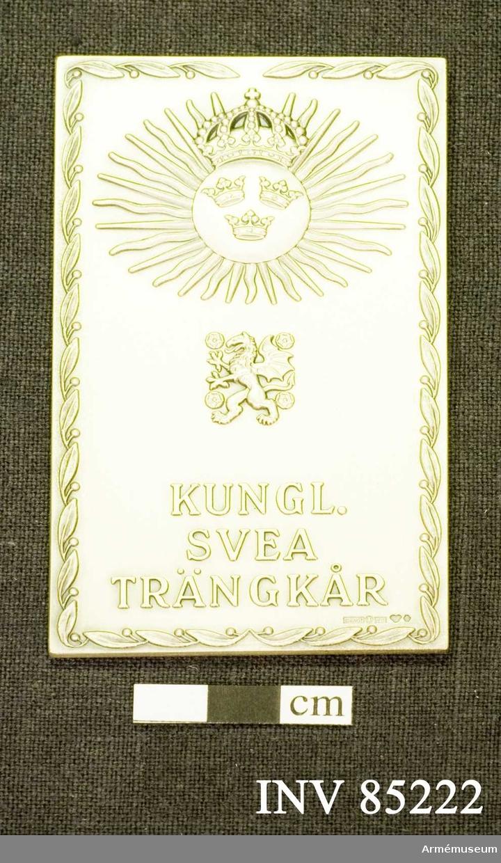 Grupp: M II. Kungliga Svea trängkårs plakett i silver.