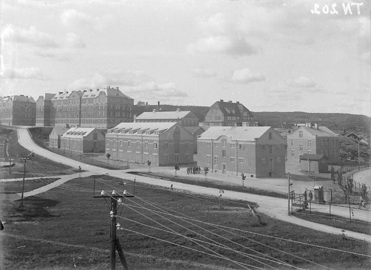 """""""Bohusläns regemente, förrådshus och kaserner från sjukhustomten."""" Uddevalla."""