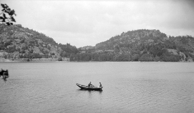 Enligt senare noteringar: St Hällungen mot Bua Slottsberg. 18 Juli 1926.