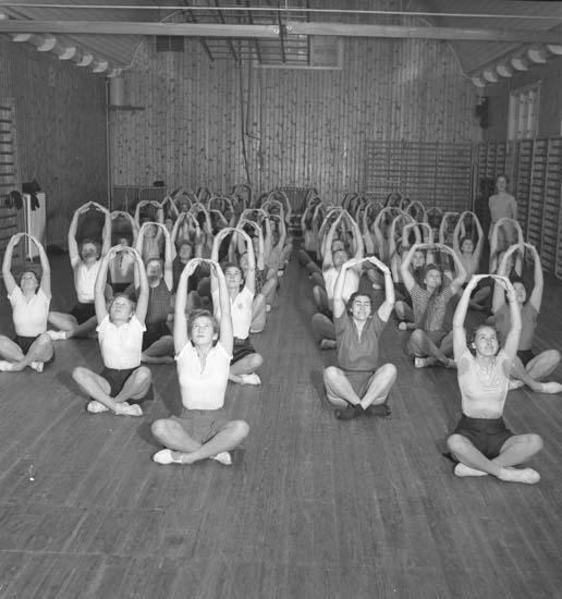 """Text till bilden: """"Lysekils Gymnastiksförening. 1940.11.29""""."""