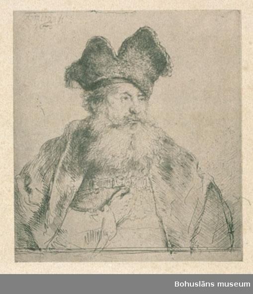 Ur handskrivna katalogen 1957-1958: Tolv gravyrer av diverse slag Porträtt av Rembrandt samt herdelandskap o marinbilder av Both, Pinacker(?) m. fl. H. fr. 14,8 till 29,5 cm. Br. fr. 16 till 29 sm. Ej inramade.