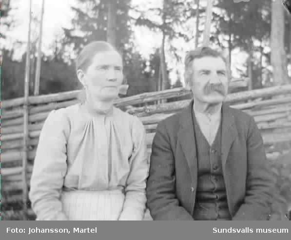 Porträtt av makarna  Andrietta och Johan Persson.