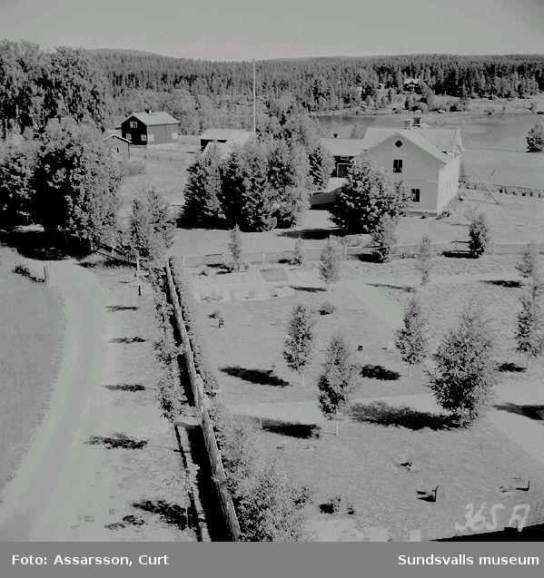Utsikt  fr. kyrkan i Haverö.   Prästgården, Kronojägarbostället.