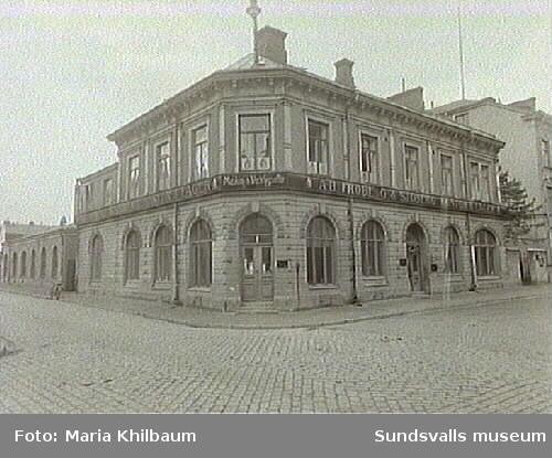 Fröberg & Sjöbergs Maskin & Verktygsaffär på Rådhusgatan 7.