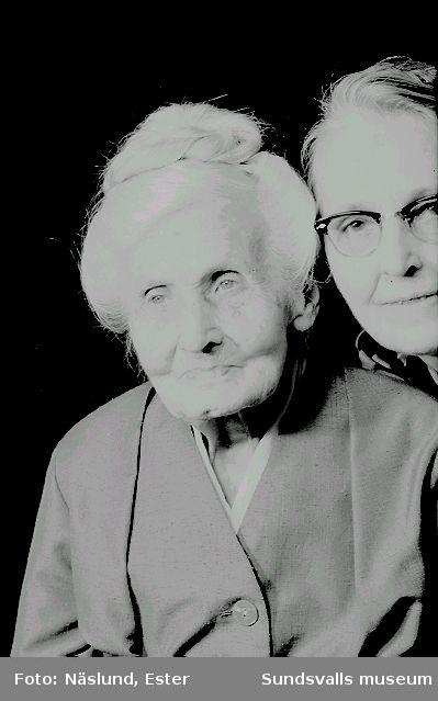 Kristina Näslund, mor till fotograf Ester Näslund.