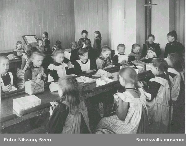 Syslöjd i Kubikenborgs skola.