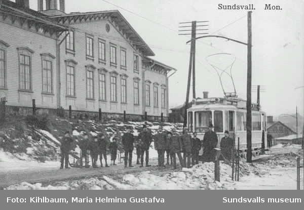Invigning av spårvägen Kubikenborg- Staden- Ortviken år 1913