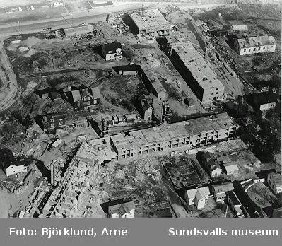 Skönsbergs nya centrumbebyggelse växer fram.