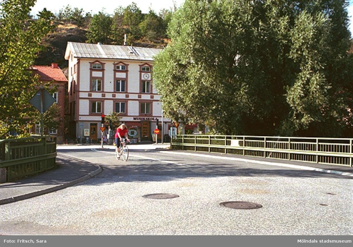 Musikskolan vid Gamla Torget i Mölndals Kvarnby, 1996.