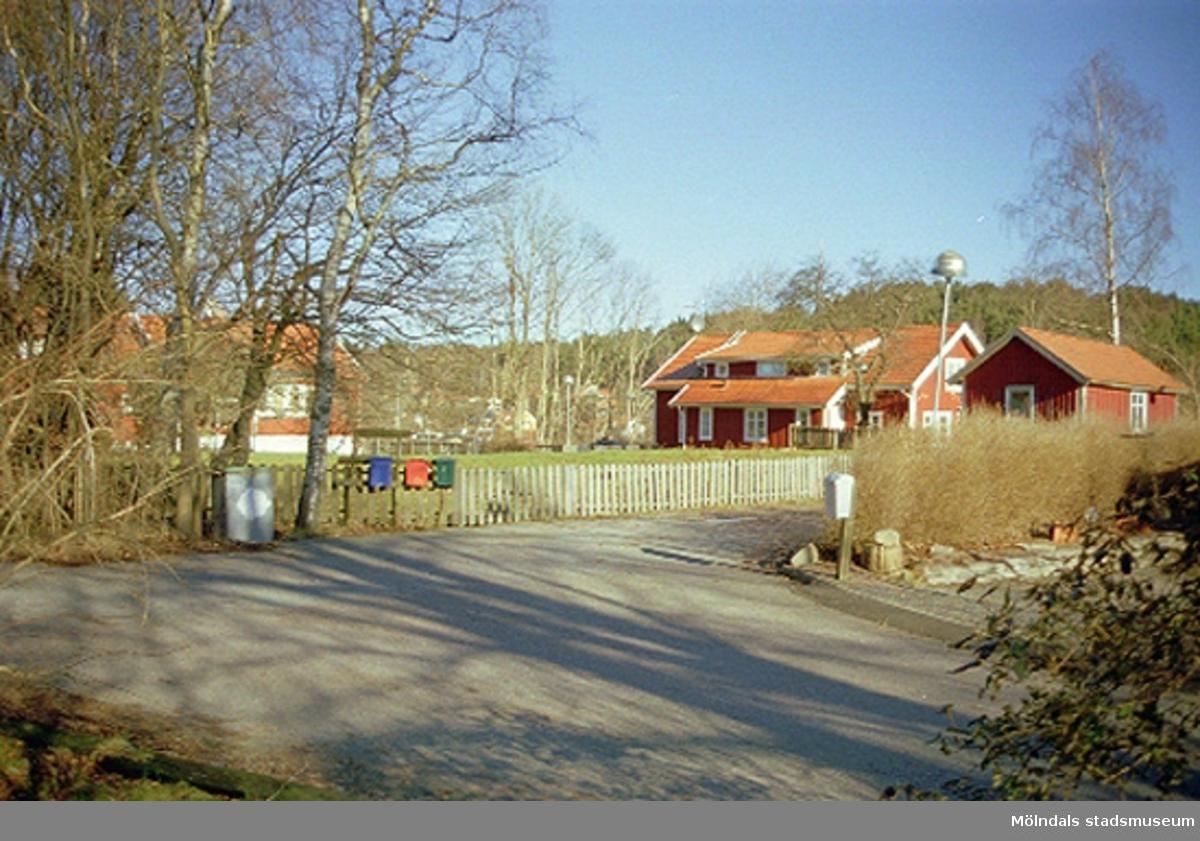 Almvägen 6A, Gastorp 3:92, Lindome, 2002-02-13. Hör ihop med: 2002_0682 - 0687.