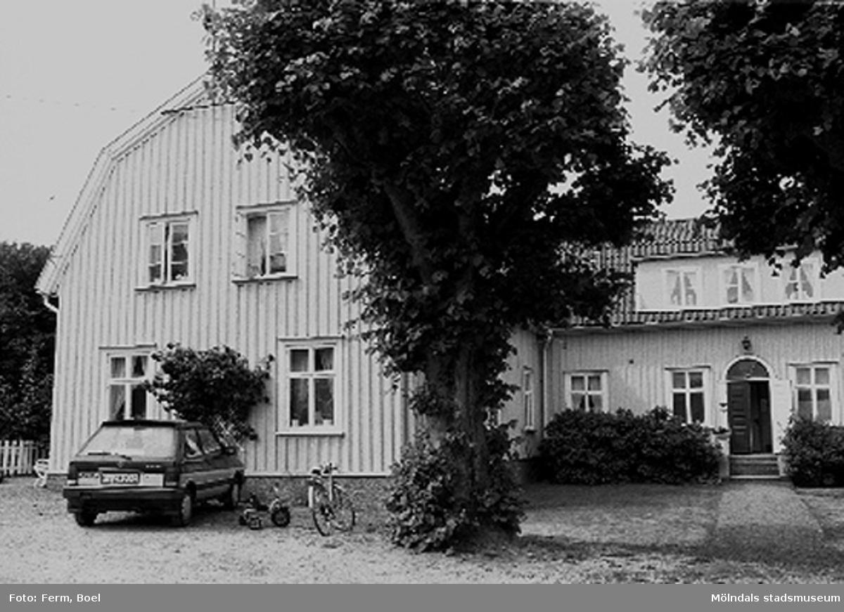 Bostadshus. Lunnagården i Balltorp 1992-06-30.