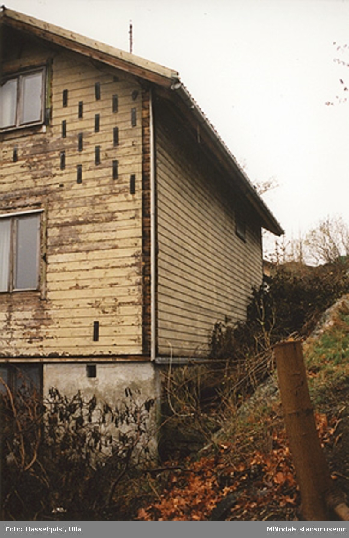 Rivningsdokumentation.Bostadshus i Forsåker, Mölndal. År 2000.
