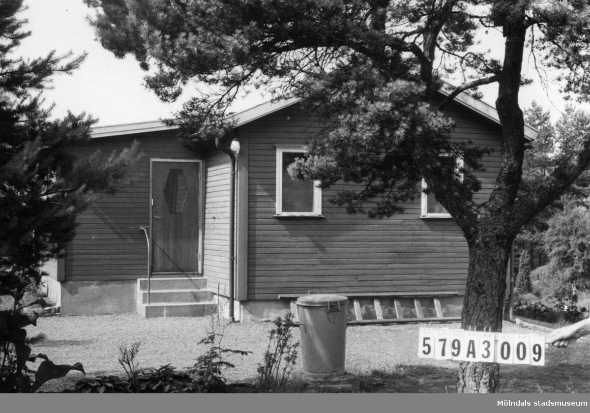 Byggnadsinventering i Lindome 1968. Lindome 6:30. Hus nr: 579A3009. Benämning: fritidshus och redskapsbod. Kvalitet: mycket god. Material: trä. Tillfartsväg: framkomlig. Renhållning: soptömning.