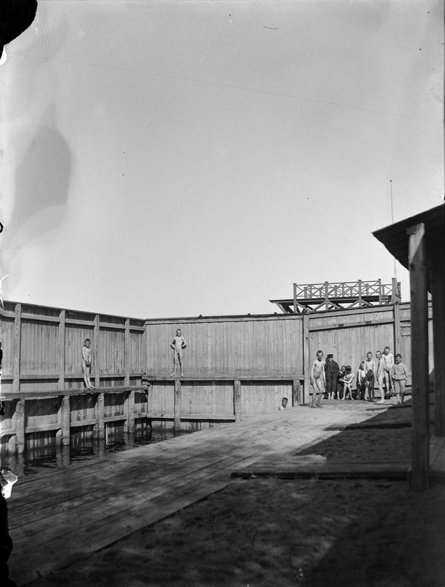 """""""Allmänna badsumpen Lusasken"""", Svartbäcksgatan 36, kvarteret Heimdal, Svartbäcken, Uppsala 1900 - 1901"""