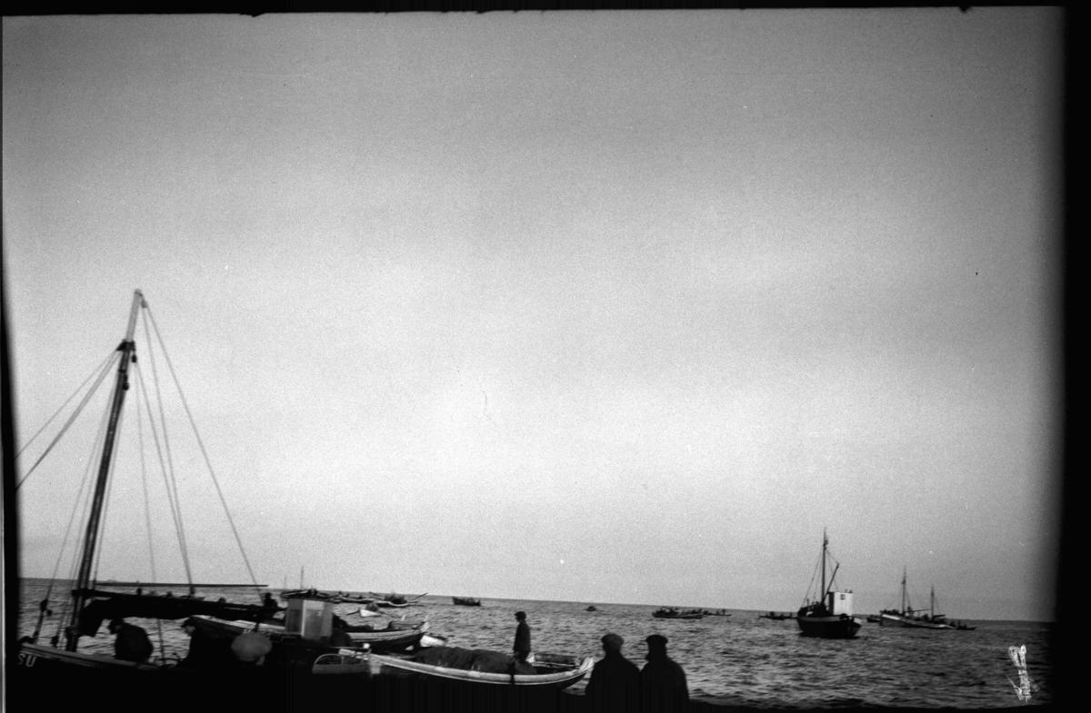 Vintersildfiske. Notfiske i Frøysjøen, Bremanger