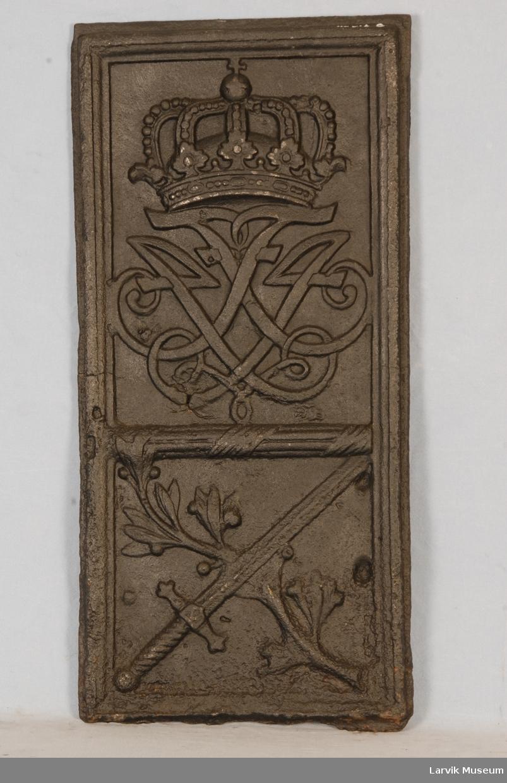 Kronet speilmonogram F 4 over sverd og laubærkviste - korslagt