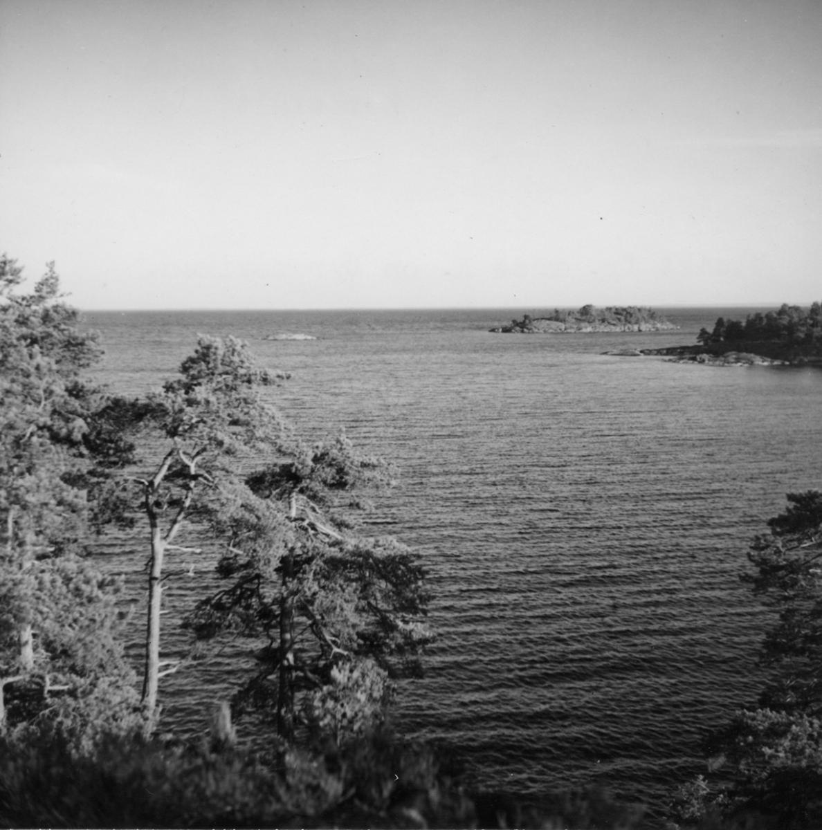 Bolstad, Utsikt från röse norr om Byrumsviken.
