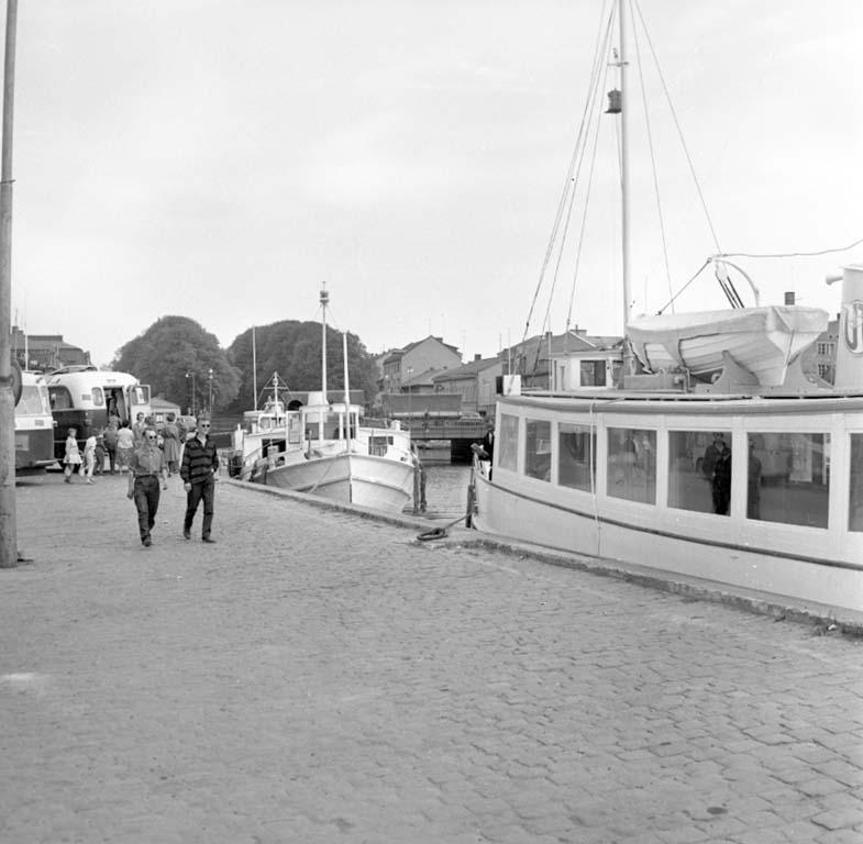 """Enligt notering: """"Båtpremiär på Byfjorden 18/5 -60""""."""