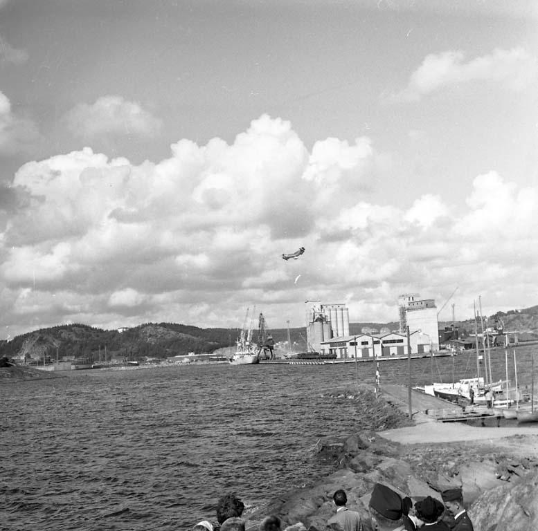 """Enligt notering: """"Marinens Sjöräddning Aug -60""""."""