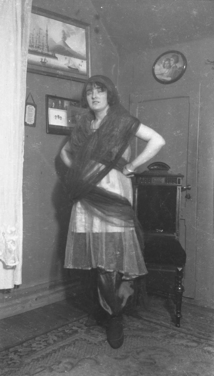 Kvinne, ukjent, kostyme,
