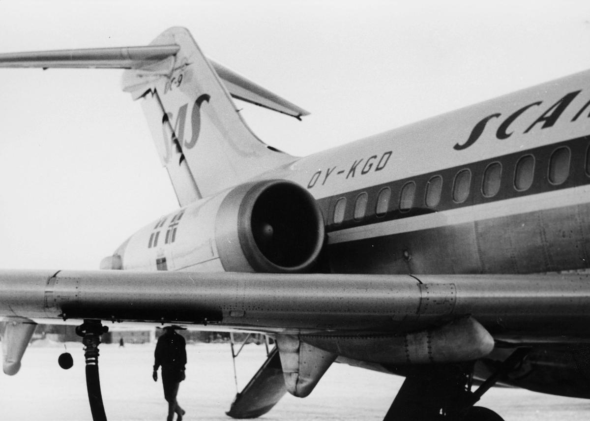 transport, fly, Oslo Lufthavn, OY - KGD SCANDINAVIAN SAS, på bakken