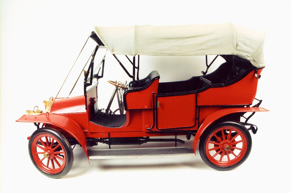 postmuseet, gjenstander, modell av gammel postbil