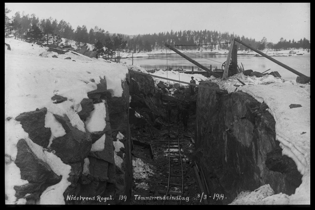 Arendal Fossekompani i begynnelsen av 1900-tallet CD merket 0474, Bilde: 33 Sted: ? Beskrivelse: Tømmerrenne