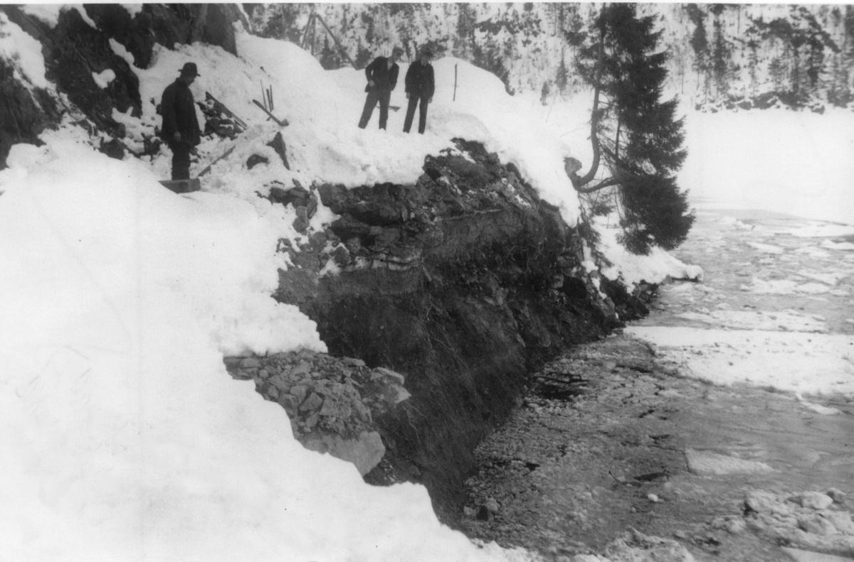 Ras på vegen til Trollnæs 1. april 1927