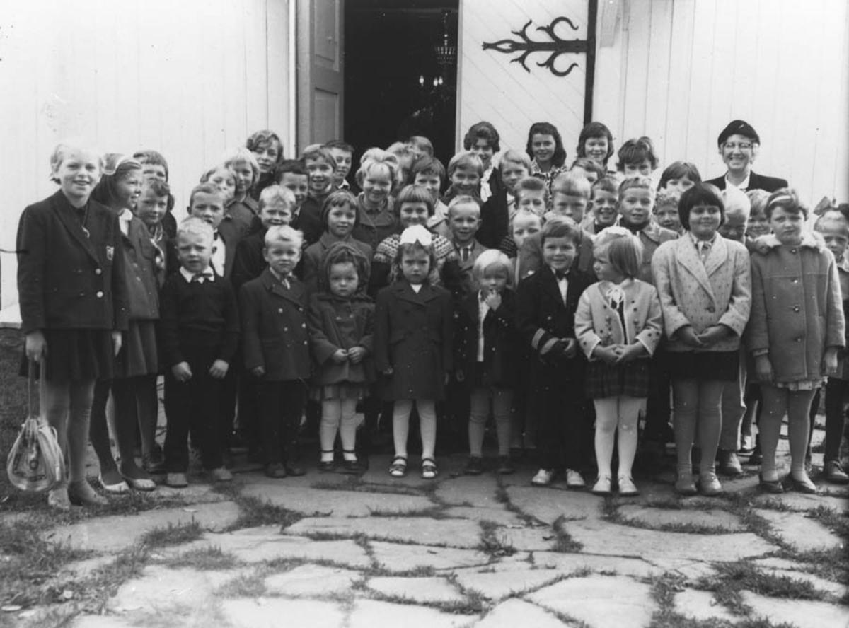 Søndagsskole under fru Brekkes ledelse.