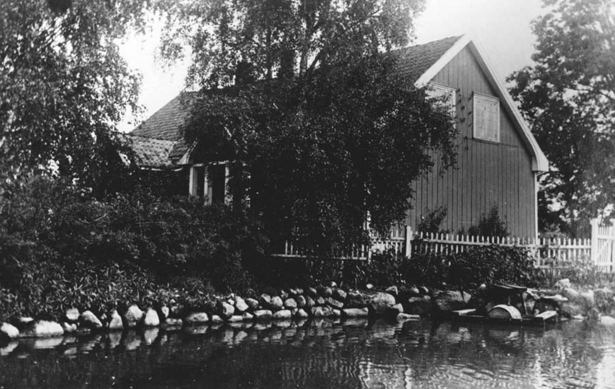 Hovedbygningen på søndre Finstad,sett fra syd-vest.