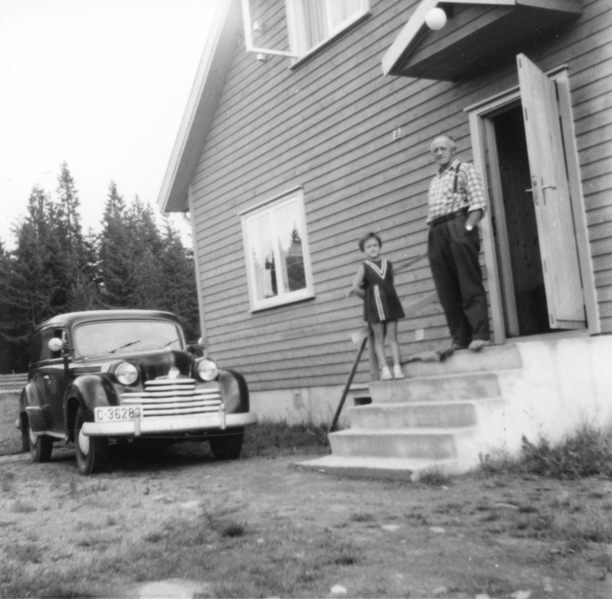 Nyanskaffet bil. Opel Olympia 1950-52.