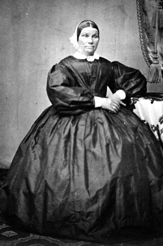 ELISABETH GRØHOLT, FØDT GRINDERENG( OMMANG? ) 8. 1-1811. død 1883.