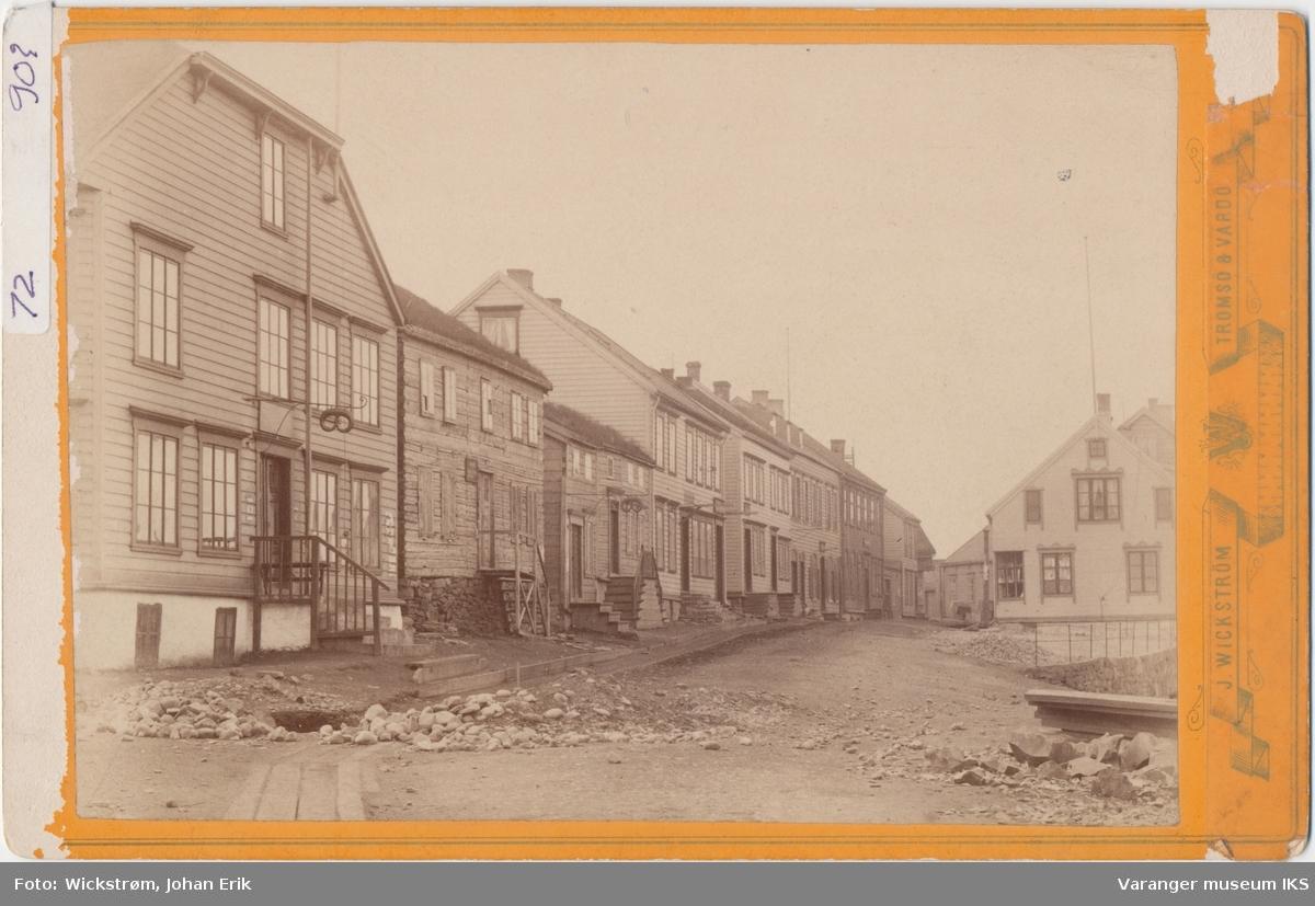 Parti av Strandgata i Vardø, før 1895