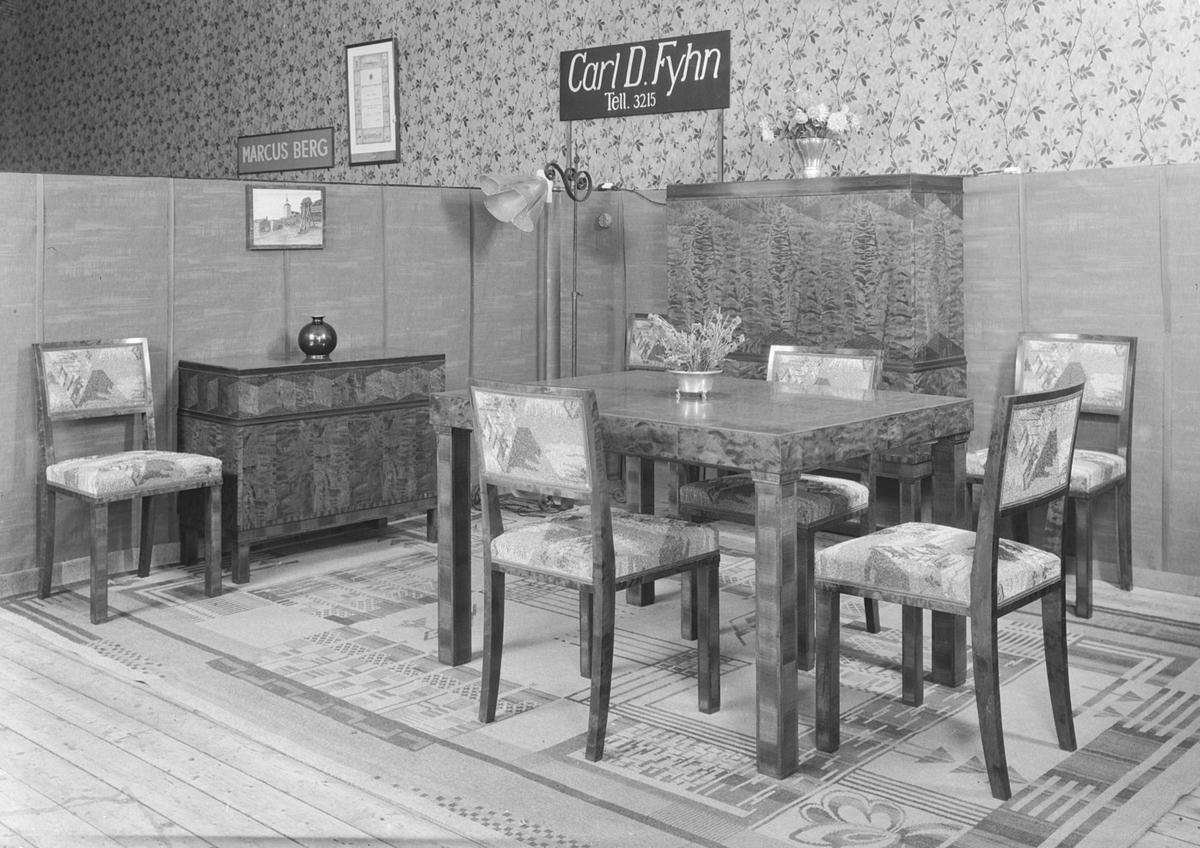 Håndverksuka 1934.  Møbelsnekker Carl D. Fyhns utstilling