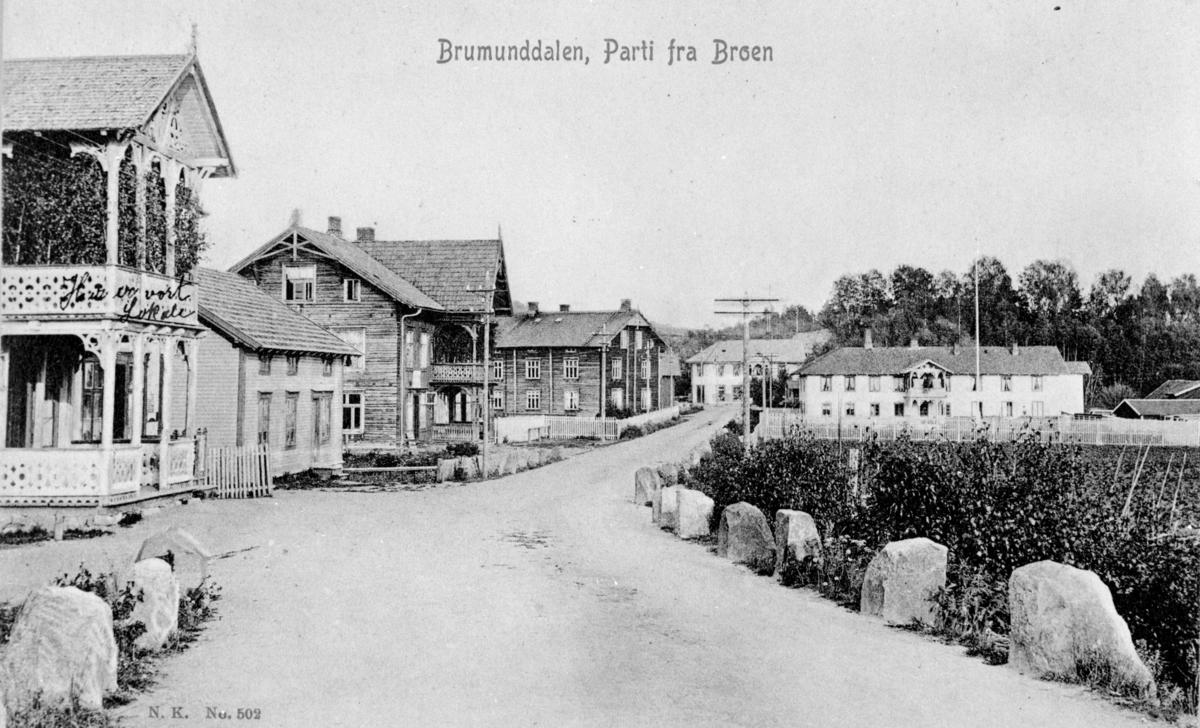 """Brumunddal 1906. """"Parti fra Broen"""", Norsk Kunstforlag, N. K. 502."""