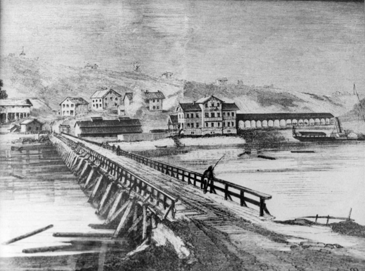 Området ved Eidsvoll stasjon. Stasjonsbygningen er den første som ble bygd - med overbygg over perrongen. Denne brant i 1877.  Avfotografert tegning eller maleri.